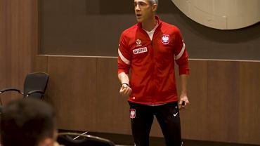 Paulo Sousa na odprawie przed meczem z Anglią