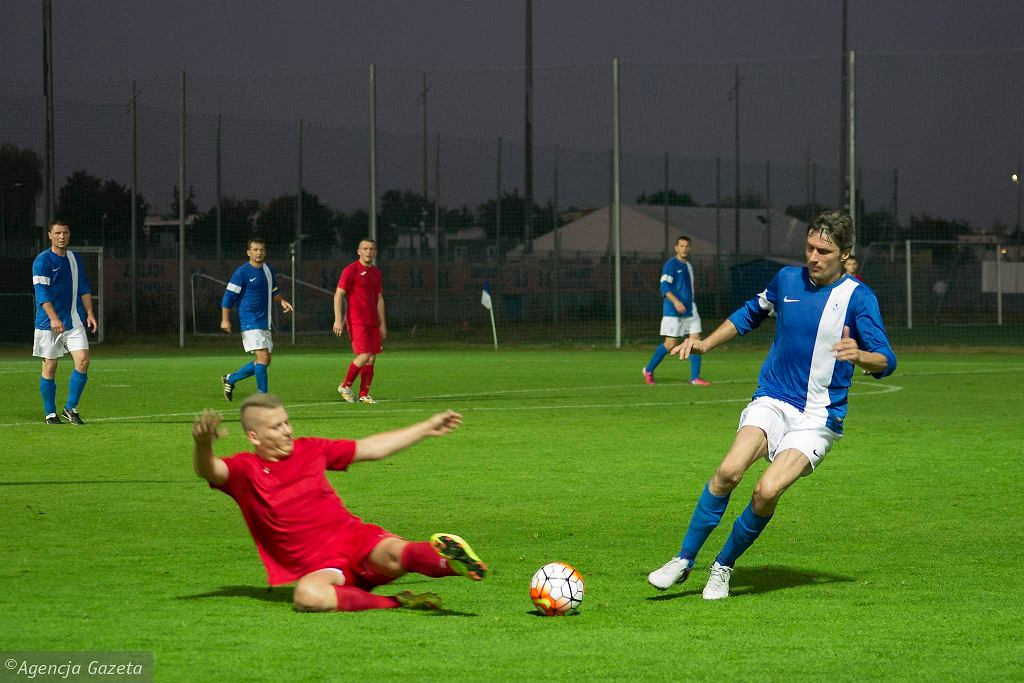 Oldboje Lecha Poznań w meczu z IKP Olimpia Poznań. Jacek Dembiński - z prawej