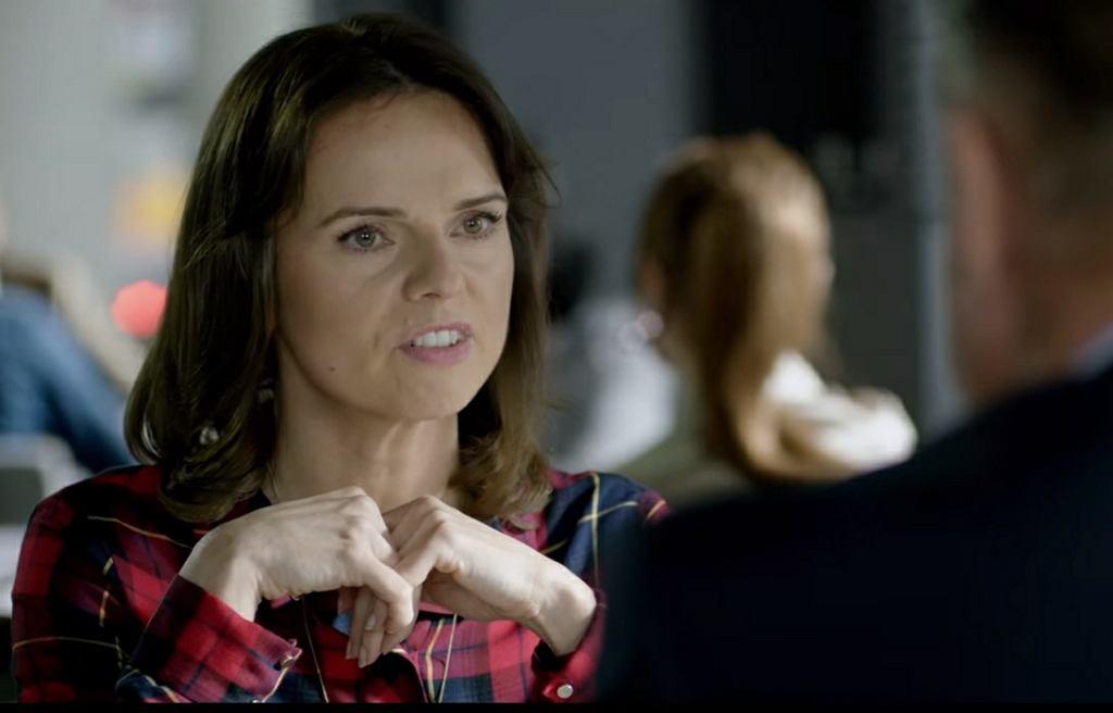 Dziennikarka Nina, którą gra Beata Fido w filmie