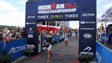 Maciej Dowbor na mecie Ironman 70.3 Las Vegas