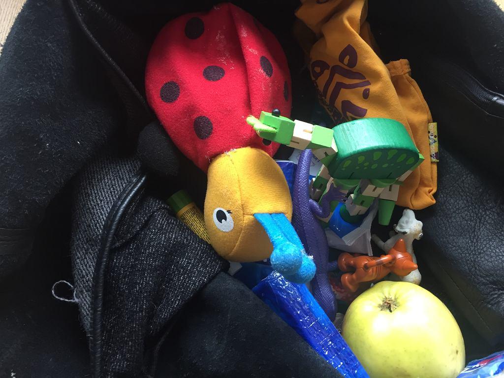 Zawartość torby każdej mamy?