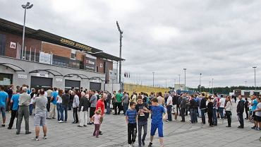 Kibice, by kupić bilet na mecz musieli ponad godzinę stać w kolejce do kasy