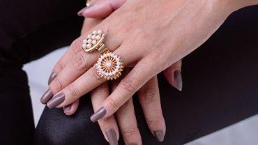 Szare paznokcie na jesień 2019