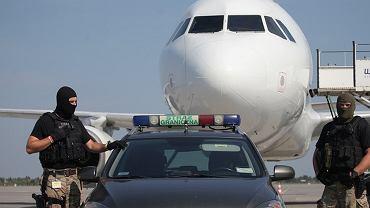 Pasażerka zażartowała, że to był głupi żart