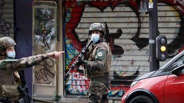 Atak nożownika w okolicy dawnej siedziby 'Charlie Hebdo'