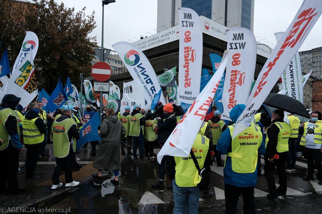 Marsz OPZZ w obronie energetyki i górnictwa w Warszawie