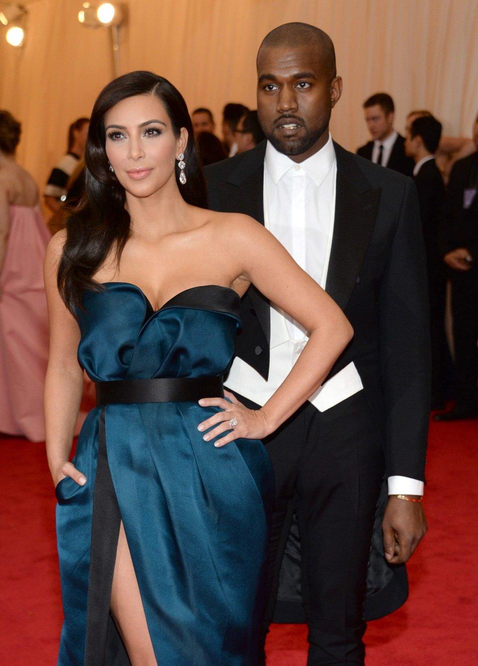 ile lat miała Kim Kardashian, kiedy zaczęła spotykać się z Kanye