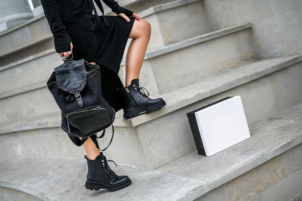 Płaskie botki nie muszą być nudne, wręcz przeciwnie. Buty w takim stylu dodadzą pazura stylizacji, zachowując przy tym wygodę