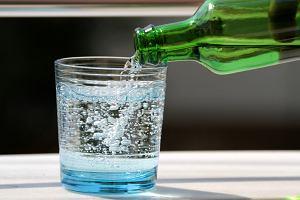 Wody lecznicze - jakie mają właściwości, kto powinien je pić?
