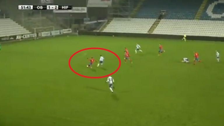 Spektakularny gol samobójczy Andersa Randrupa