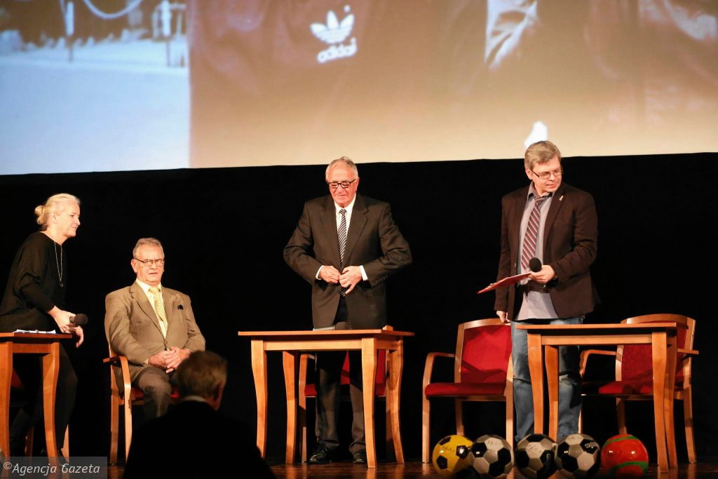 Kinoteatr Rialto w Katowicach. Spotkanie z Antonim Piechniczkiem oraz Beatą Żurek i Pawłem Czado, autorami książki