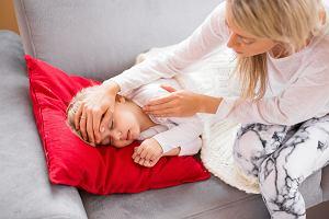 Zasiłek opiekuńczy na opiekę nad dzieckiem do 8 lat. Komu przysługuje i jak go otrzymać?