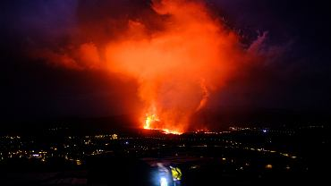 Wulkan Cumbre Vieja na należącej do Wysp Kanaryjskich La Palmie