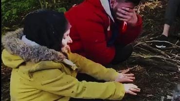 Uchodźcy. Grupa migrantów koczująca przy granicy polsko - białoruskiej
