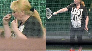 Maryla Rodowicz dba o swoją formę i wygląd. 71-letnia artystka wybrała się na kort, gdzie pod okiem trenera szkoliła swoje umiejętności gry w tenisa.