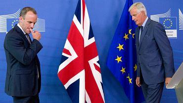 Dominic Raab, szef brytyjskiej dyplomacji i Michel Barnier, unijny negocjator ds. brexitu