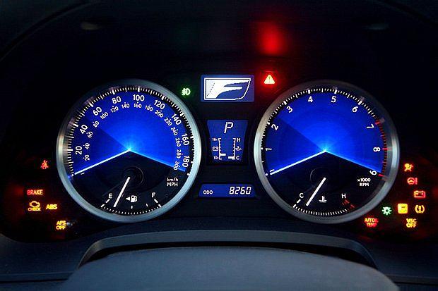 Cena modelu IS F rozpoczyna się od 358 100 złotych