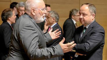 Frans Timmermans i Konrad Szymański wczoraj w Luksemburgu