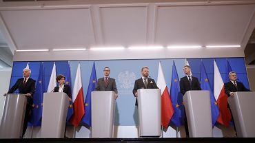 Konferencja prasowa premiera Mateusza Morawieckiego i ministrów ws. odwołania zajęć w szkołach i na uczelniach