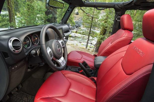 2012 LA Auto Show - 2013 Jeep Wrangler Rubicon 10th Anniversary Edition
