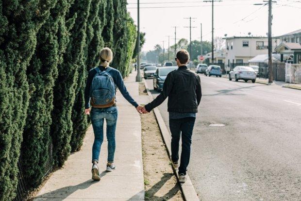 Na początku wszędzie, wszystko chcemy robić razem (fot. Pexels.com CC0)