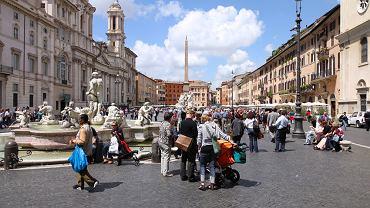 Na Piazza Navona stoi słynna fontanna Czterech Rzek