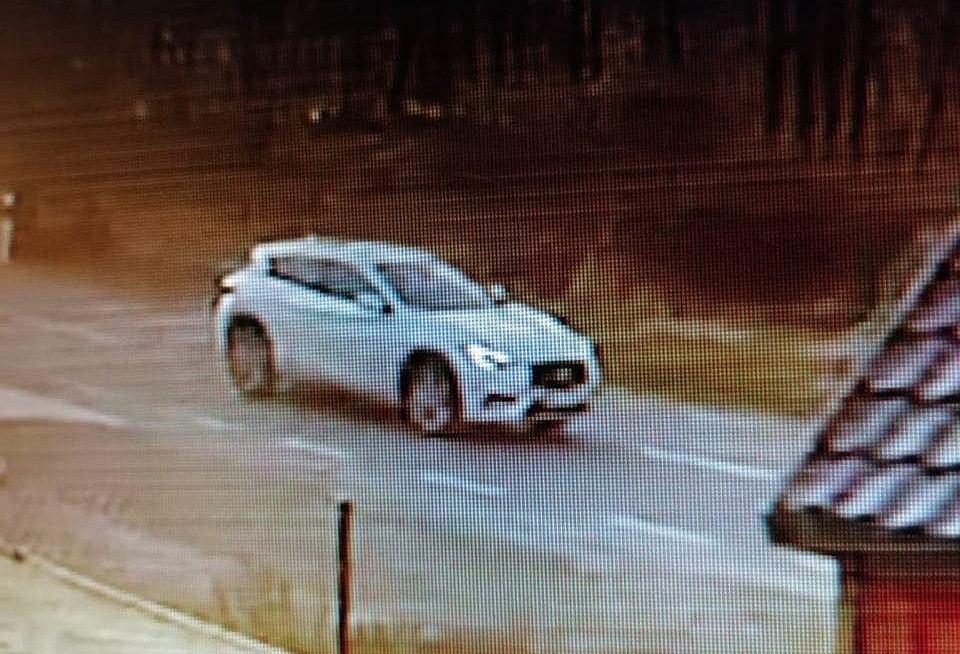 Sprawca śmiertelnego wypadku poruszał się białym SUV-em