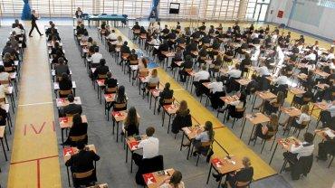 Ostatnie chwile przed zeszłoroczną maturą z matematyki w IV Liceum Ogólnokształcącym w Toruniu