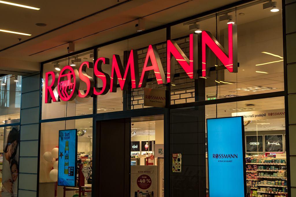Promocja w drogeriach Rossmann. Przeceny nawet do -50 proc.! Co kupimy taniej? (zdjęcie ilustracyjne)