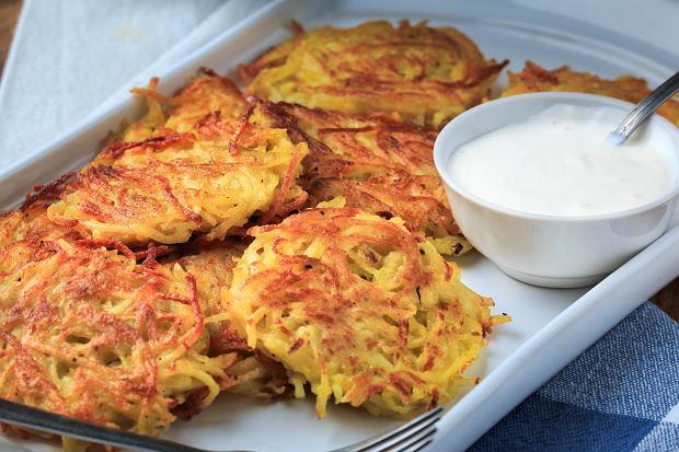 Placki ziemniaczane pieczone w piekarniku, czyli jak sprawić, by zawsze były chrupiące. Mamy przepis i garść porad