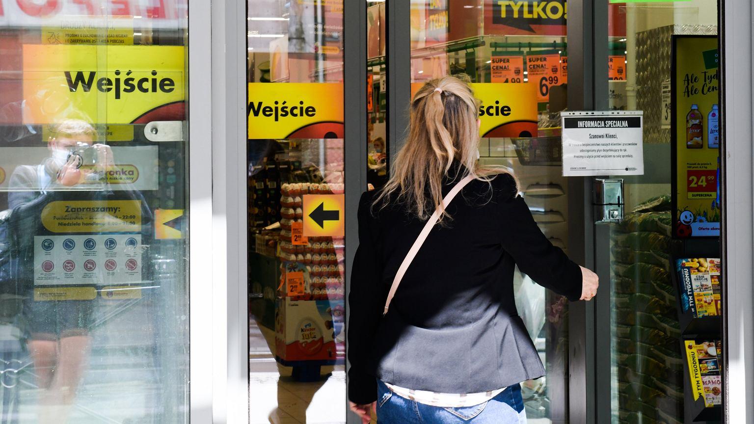 Niedziele handlowe 2020. Czy sklepy będą dziś otwarte? [12 lipca]