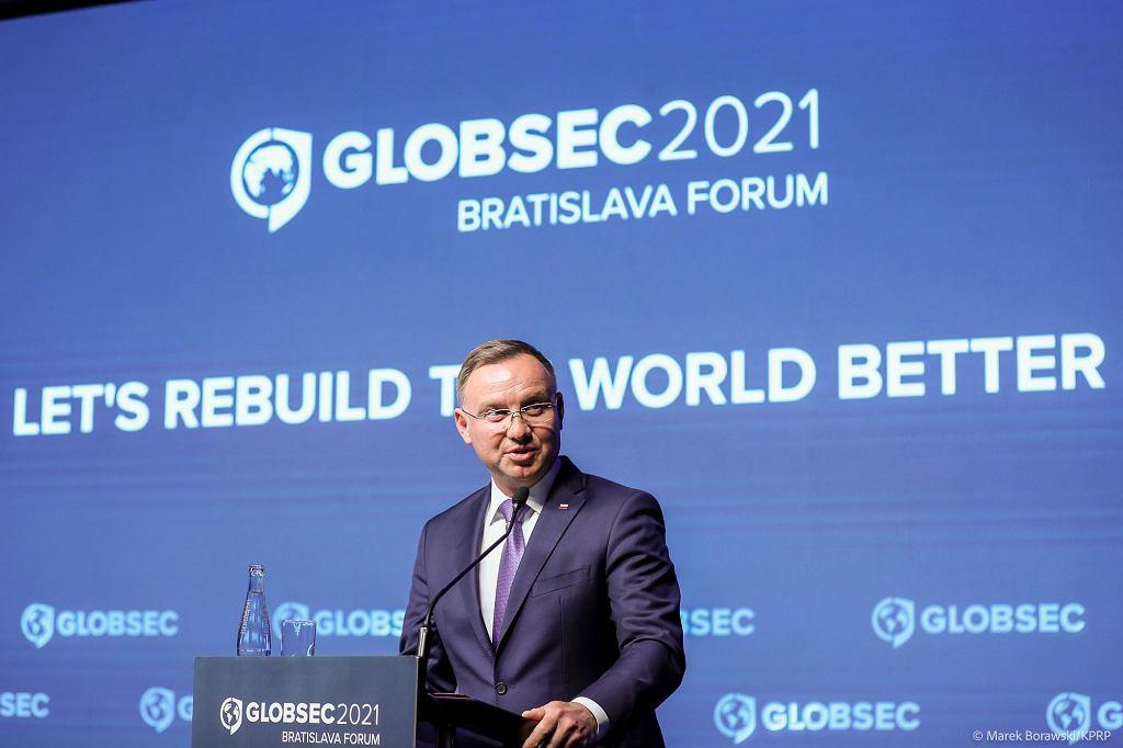 Andrzej Duda na międzynarodowej konferencji Globsec podważa skuteczność szczepień przeciw COVID-19