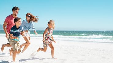Jak spędzić bezpieczne wakacje za granicą? O tym musisz pamiętać!