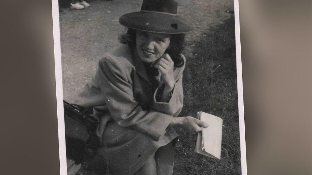Pani Stanisława całe życie nosiła kapelusze i rękawiczki pod kolor torebki