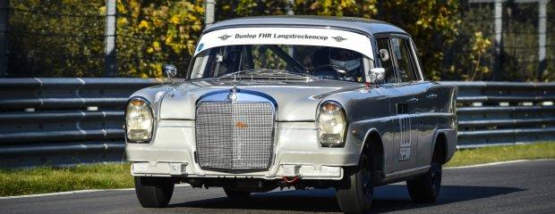 Mercedesem 220 SE po Nurburgringu | Zielone piekło sprzed lat