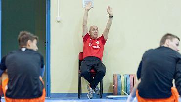Trener Orest Lenczyk podczas treningu w Spale