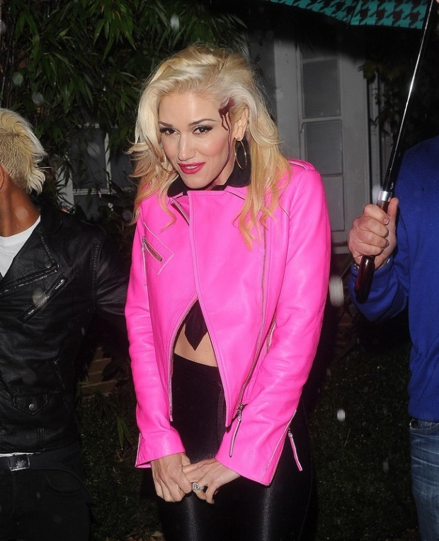 Singer Gwen Stefani leaves Jonathan Ross' Halloween party held at his house in London. Gwen was seen wearing fancy dress with fake blood dripping from her head as she left the party.  Pictured: Gwen Stefani
