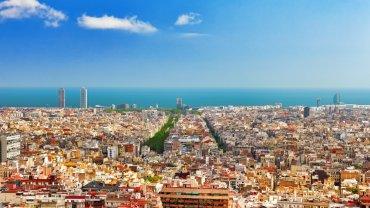 Widok na Barcelonę ze wzgórza Montjuic