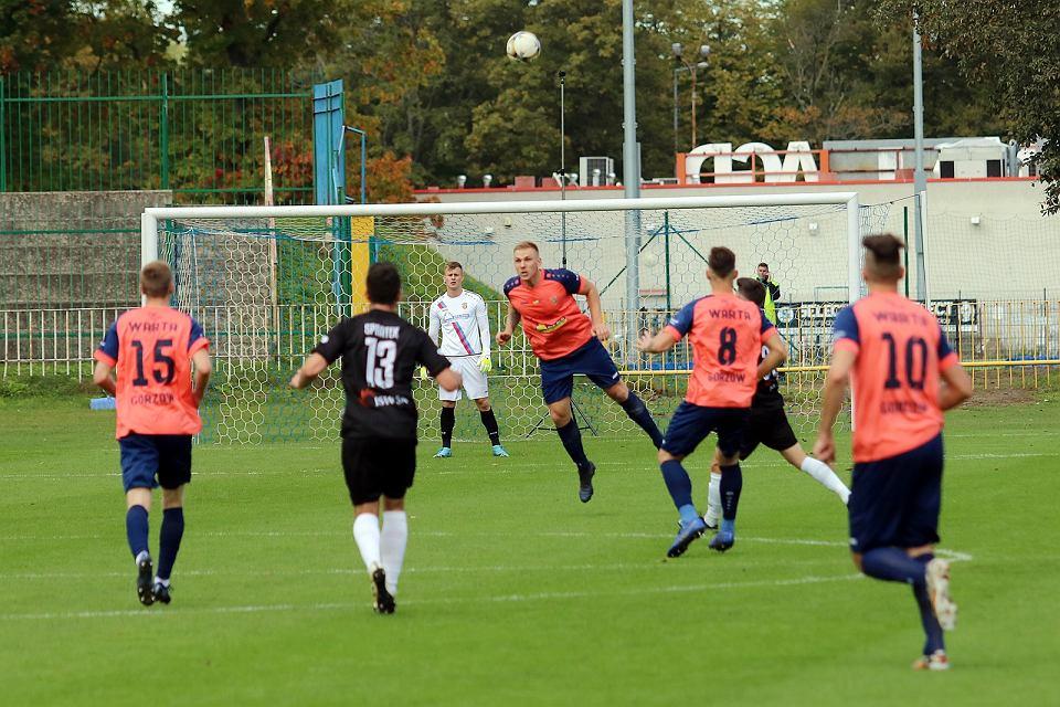 Zdjęcie numer 42 w galerii - Bez bramek w meczu piłkarzy Warty Gorzów, rozgrywanym przy pustych trybunach [ZDJĘCIA]