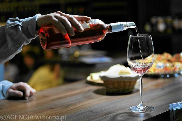 Jak kupić dobre wino i nie przepłacić? Fakty i mity