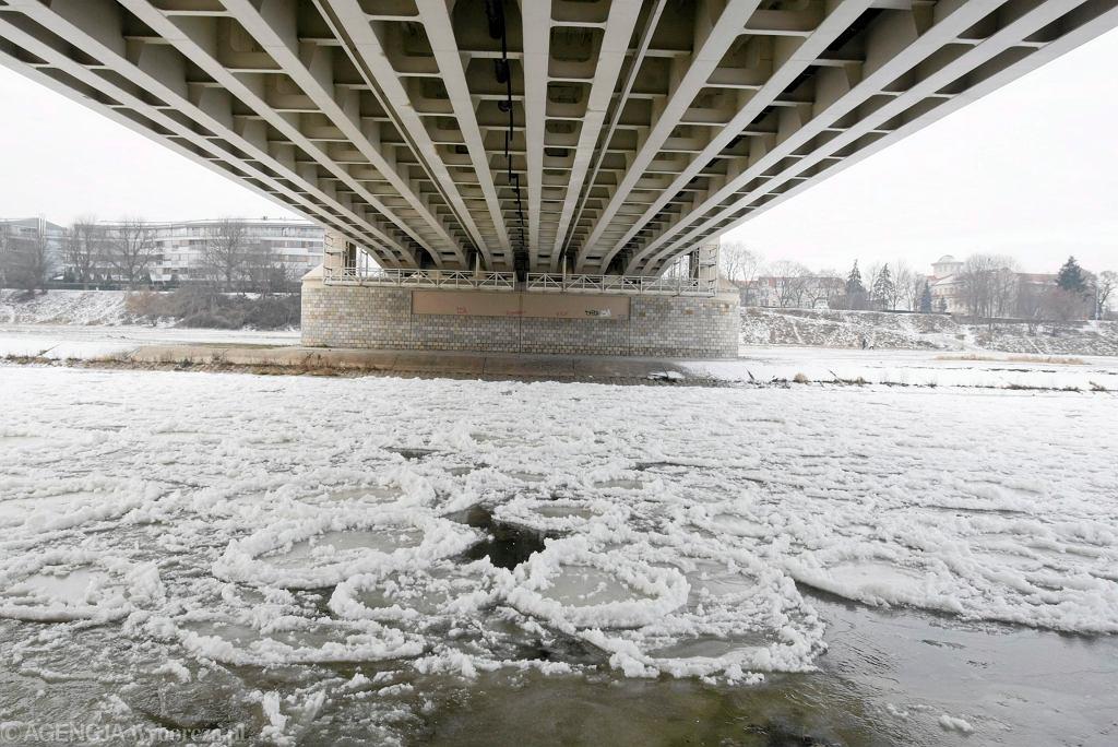 Śnieg i mróz w całej Polsce