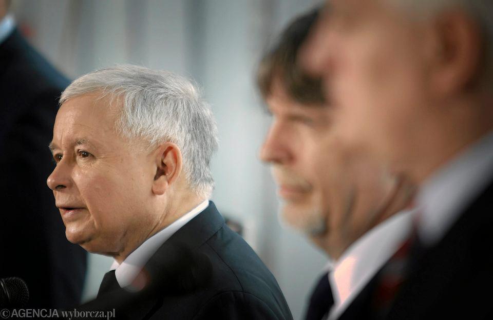 Jarosław Kaczyński na konferencji prasowej poświęconej II turze wyborów samorządowych