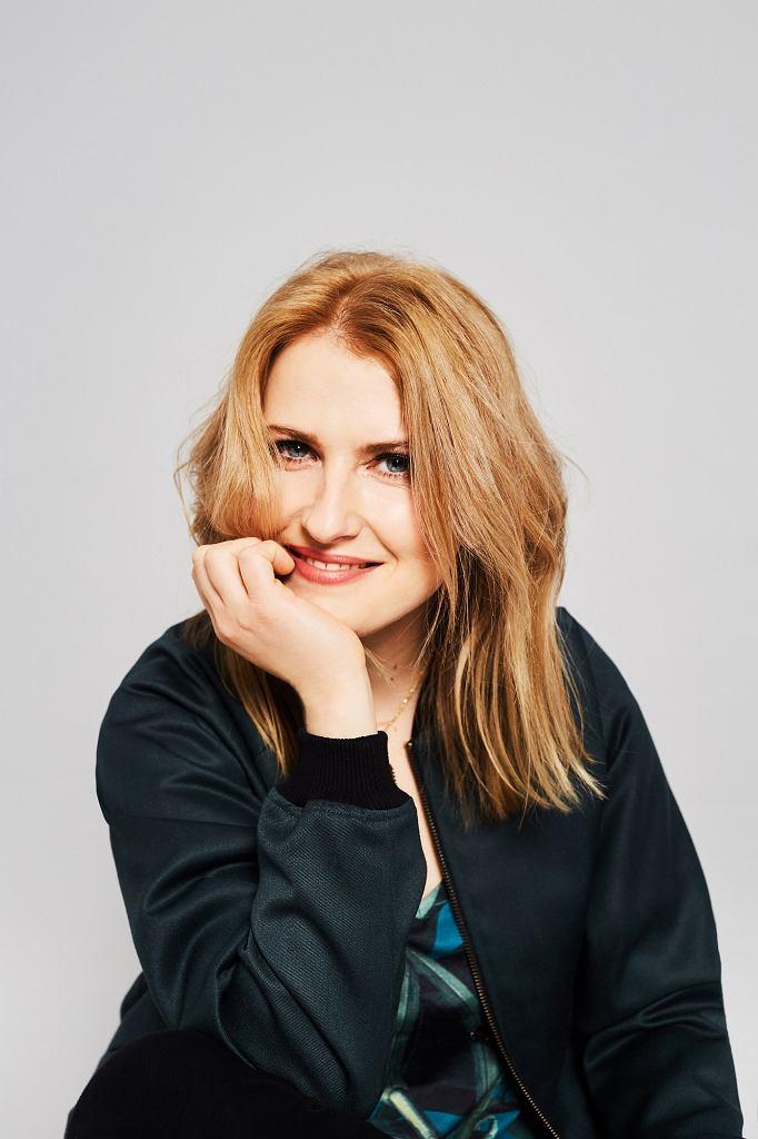 Joanna Chmura - psycholog specjalizująca się w tematyce wstydu, odwagi i wrażliwości.