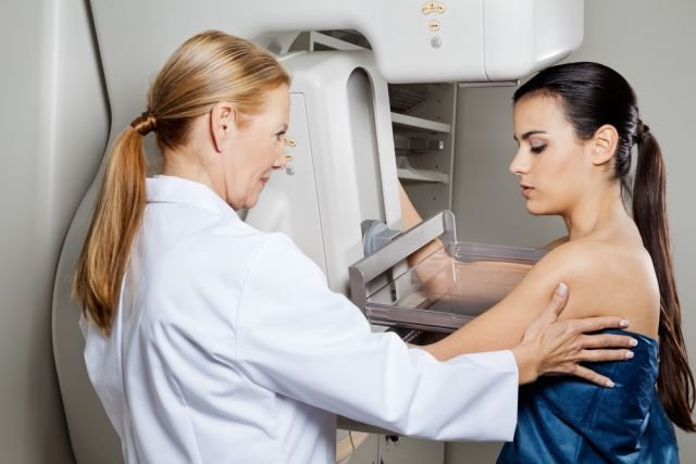 Mammografia to jedna ze skuteczniejszych metod diagnostycznych pozwalająca na wczesne wykrycie raka piersi