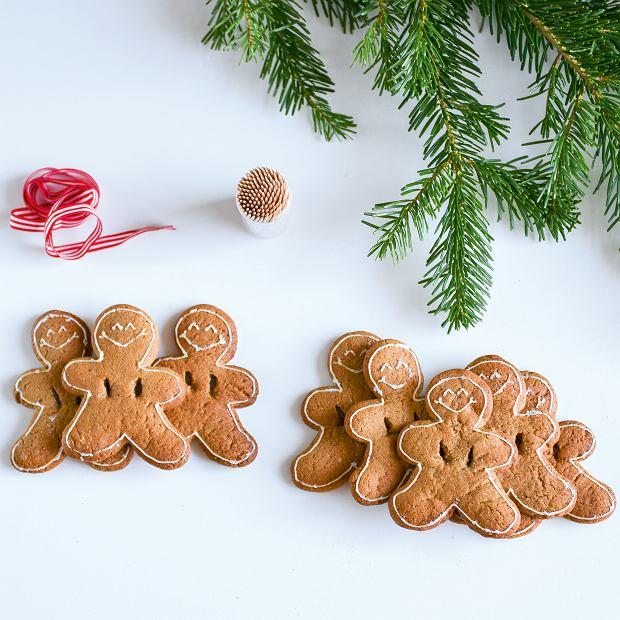 Ciasteczka imbirowe ludziki: przydadzą się wykałaczki oraz ozdobna wstążka, na którą nawleczemy ludziki