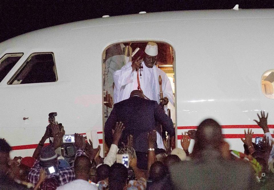 Gambia, prezydent Jammeh w końcu oddaje władzę po przegranych wyborach. Dla kraju przerażonego wizją wojny domowej to ulga, dla homoseksualistów podwójna - Jammeh mawiał, że 'geje powinni opuścić kraj', bo mogą stracić głowy