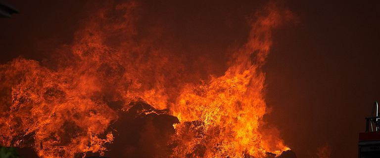 Pożar w Myśliborzu. Płonie skład z butlami gazowymi
