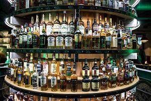 """Polacy rzucili się na whisky. """"Wódka to alkohol towarzyski, whisky pijemy w pojedynkę"""""""