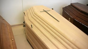 Austria. 66-latek zmarł we własnym mieszkaniu. Służby 'zapomniały' zabrać zwłoki