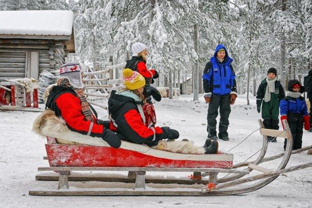 Przejażdżka reniferowym zaprzęgiem w Rovaniemi, Finlandia